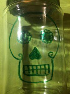 Halloween Totenkopf auf Einmachglas fast fertig