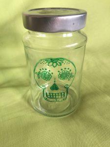 Halloween Totenkopf auf Einmachglas fertig