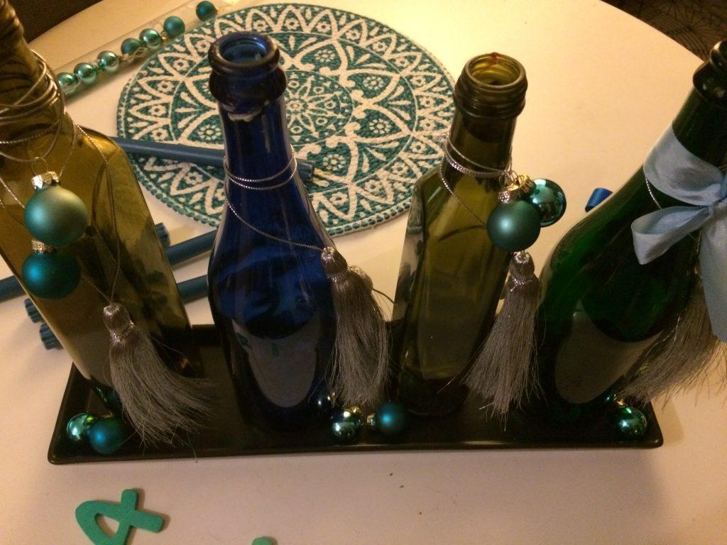 Flaschen für Adventskranz - geschmückt