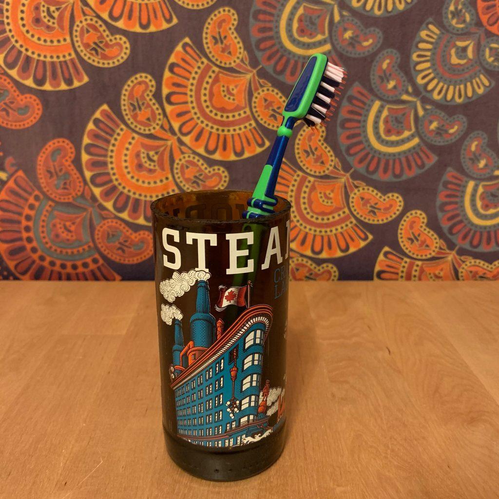 DIY Glas Zahnputzbecher aus Craft Beer Flasche