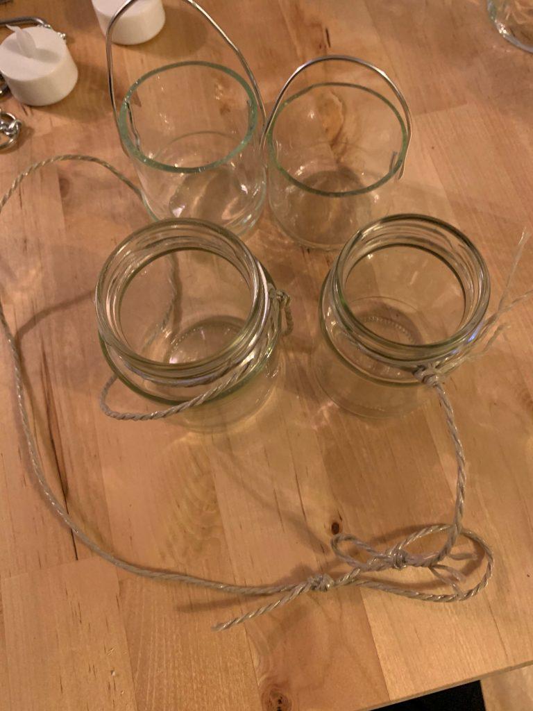 Teelichthalter mit verschiedenen Aufhängungen