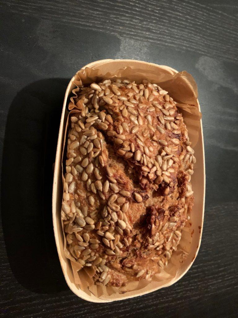 Holzbackform mit Brot