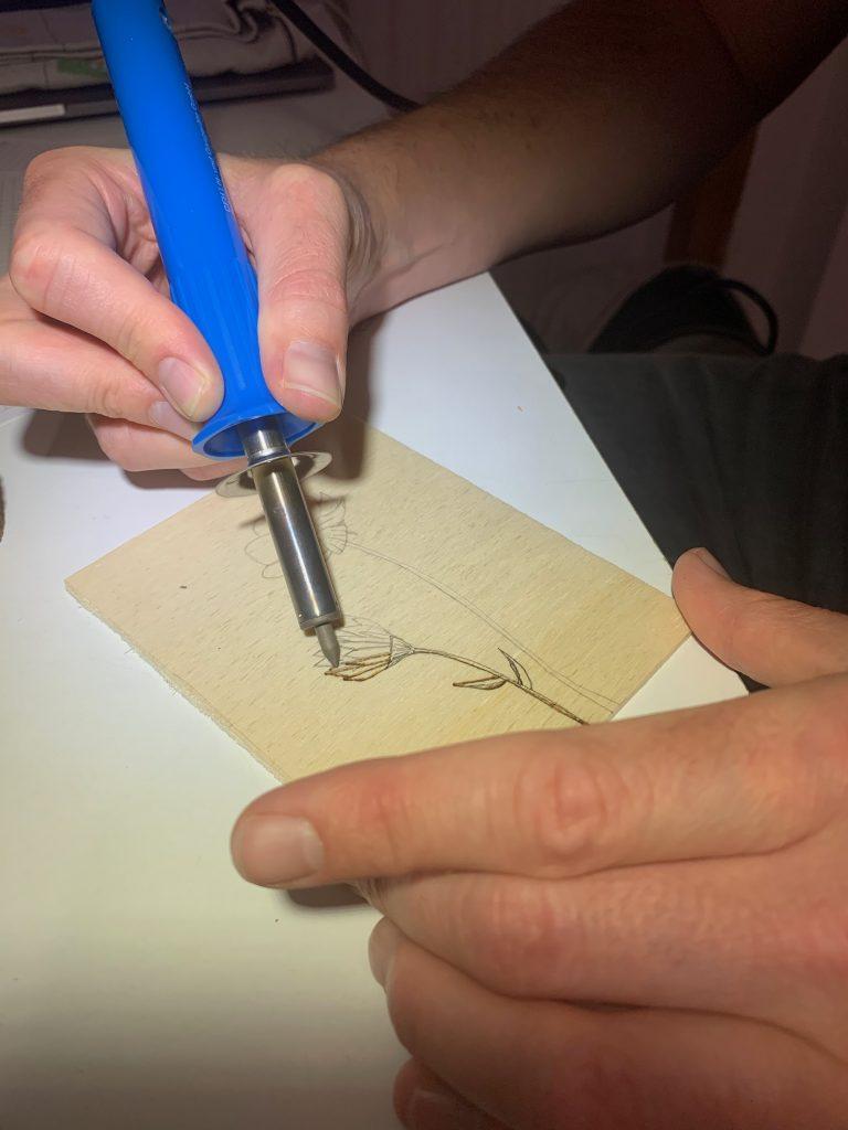 Brandmalen auf DIY Holz Postkarte